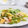 Σαλάτα ρόκα με κοτόπουλο και ανανά