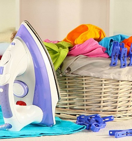 Αυτό είναι το κόλπο για να έχετε σιδερωμένα ρούχα χωρίς να σιδερώσετε