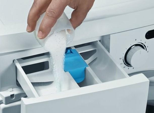 Ο καλύτερος τρόπος για να καθαρίσετε το συρτάρι απορρυπαντικού του πλυντηρίου