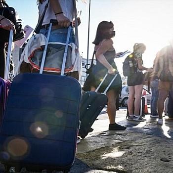 Ποια νησιά και περιοχές απειλούνται με lockdown - Προς νέα έκρηξη κρουσμάτων