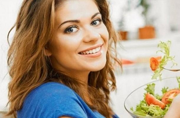 Πότε η σαλάτα παχαίνει αντί να αδυνατίζει