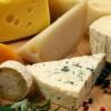 Τι θα συμβεί στον οργανισμό σας αν τρώτε τυρί καθημερινά