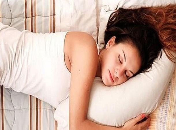 Το ρόφημα που καίει το λίπος ενώ κοιμάστε και πώς θα το φτιάξετε