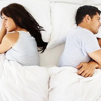 Tι είναι το διαζύγιο ύπνου που έχει σώσει χιλιάδες ζευγάρια