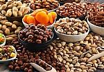 Ποιοι είναι οι καλύτεροι και οι χειρότεροι ξηροί καρποί για όσους κάνουν δίαιτα