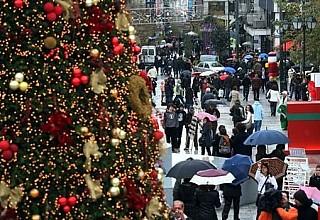 Χριστούγεννα 2019 - Εορταστικό ωράριο: Ποιες Κυριακές θα είναι ανοιχτά τα καταστήματα