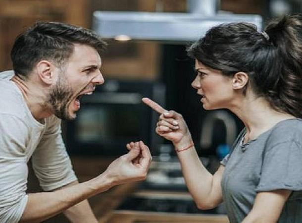 Πώς να χειριστείς τους τσακωμούς με τον σύντροφό σου αν εκείνος δεν σε ακούει ποτέ!